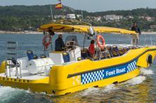 fast boat navegando la ruta xacobea