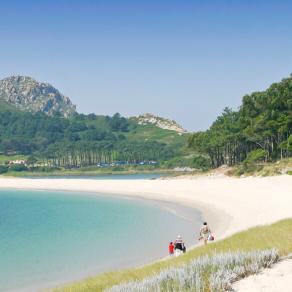 Playa de Rodas a primera hora de la mañana
